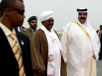 Bashir with Emir of Qatar