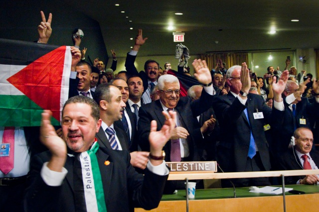 Palestine's Delegation to the UN celebrates the UN General Assembly vote in favour of recognizing Palestinian statehood. (Photo: UN / Rick Bajornas)