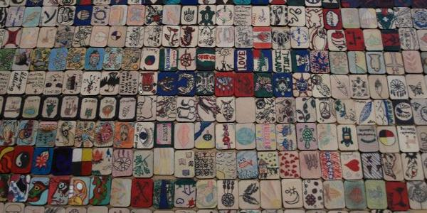 Tiles commemorating the victims of Indian Residential Schools (Photo: ProjectofHeart / ICTJ)