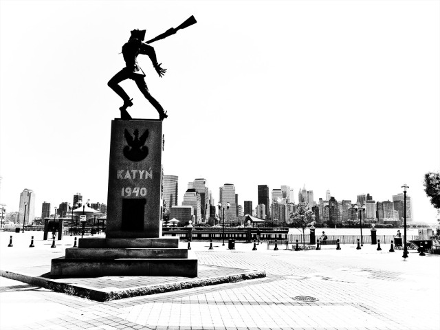 Katyn monument in Jersey City (Photo Mark Grabowski)