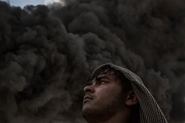 An Afghan soldier in Wardak Province, Afghanistan (Photo: Mauricio Lima / The New York Times)