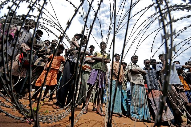 Internally displaced persons in Sri Lanka, 2009. (Photo: Joe Klamar / AFP / Getty Images)