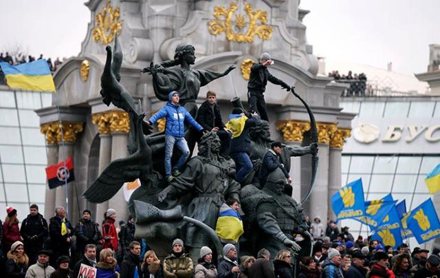 (Photo: Sergey Supinsky / AFP)
