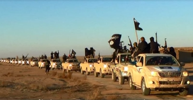 An ISIS convoy in Iraq (Photo: AP)
