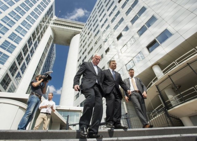 Palestinian Foreign Minister Riad al-Malki leaves the ICC after meeting the Chief Prosecutor in August 2014 (Photo: Reuters)