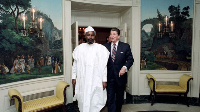 Former US President Ronald Reagan and Hissene Habre (Photo:  Jean-Louis Atlan / Sygma / Corbis)