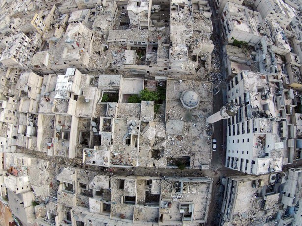 An aerial photo of Aleppo shows damage to the city from ongoing civil war (Photo: Hosam Katan / Reuters)